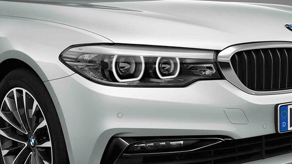 BMW adaptive LED headlights