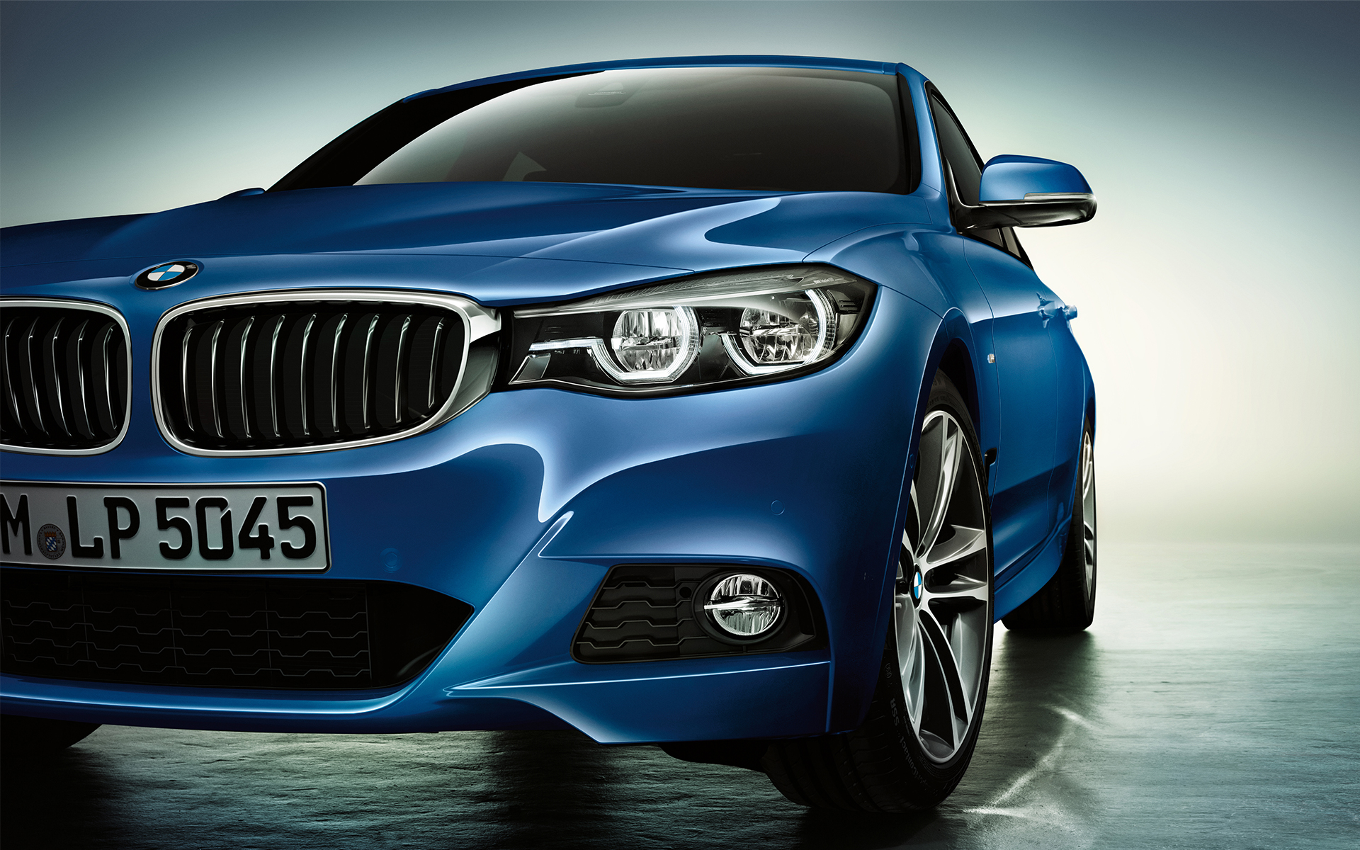BMW 3 Series Gran Turismo - Front lights