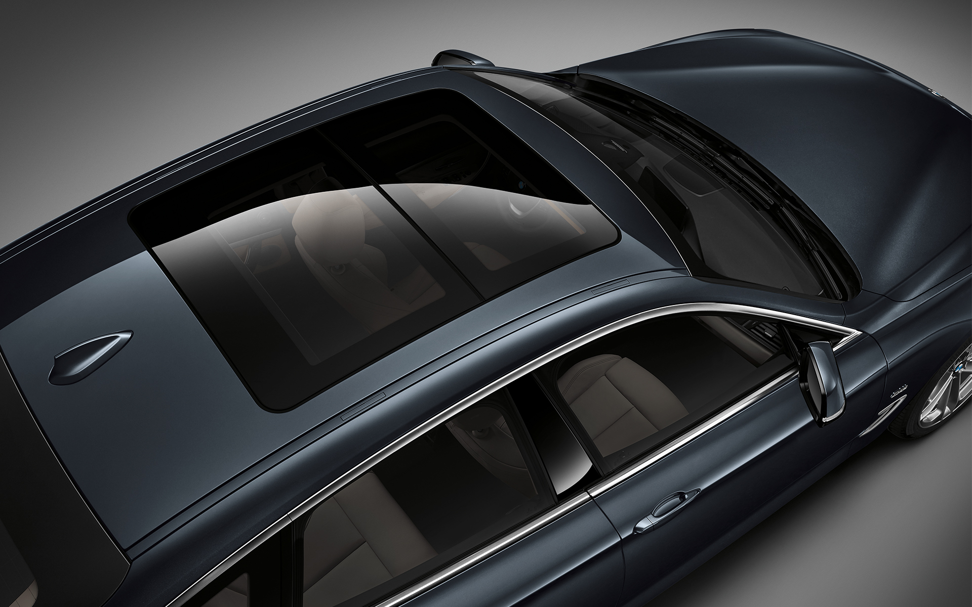 BMW 3 Series Gran Turismo: top view of elegant carbon roof.