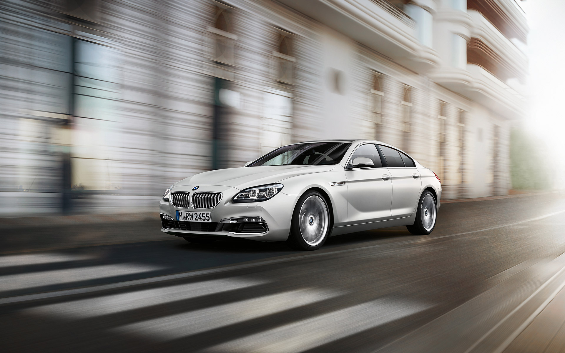 BMW 6 Series Gran Coupé Side View city driving