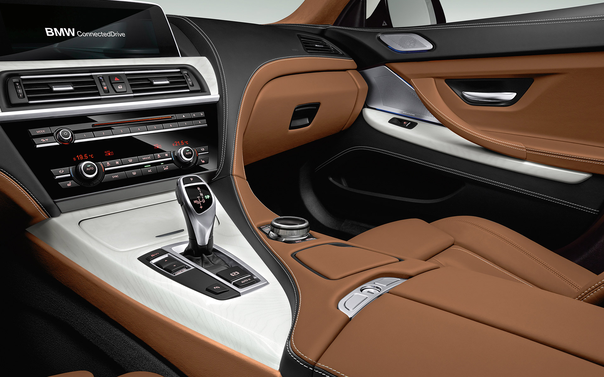 BMW 6 Series Gran Coupé Dashboard and Clutch