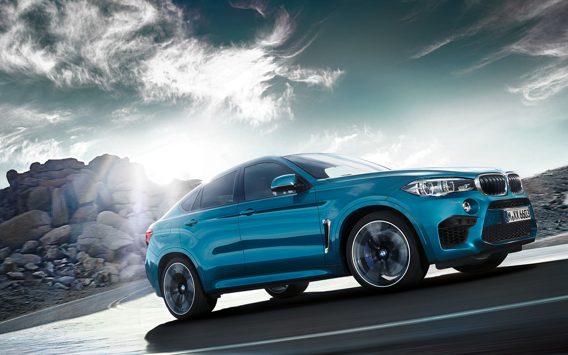 BMW X6 M Side View hill driving