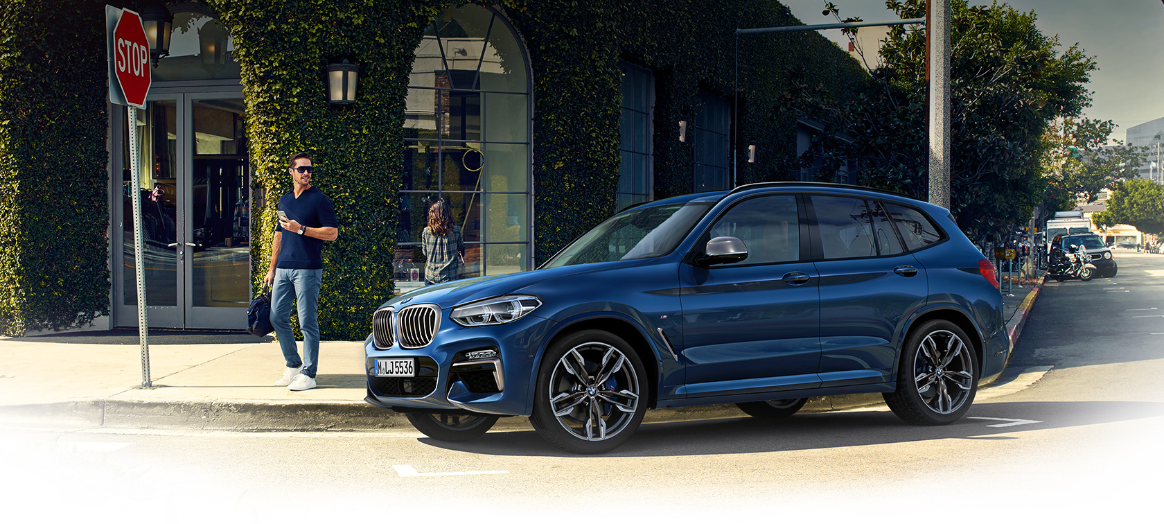 BMW X Series X3: automatic key closure.